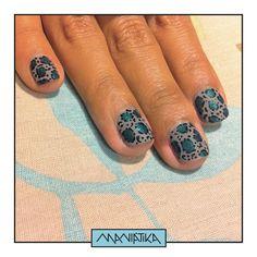 un manimal print con manchas verde sirenita  #manimonday #notd #nailart #nailartperu #uñasmaniatikas #leopardnails #greenmermaid