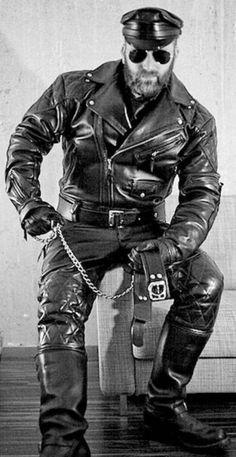Leather Motorcycle Pants, Mens Leather Pants, Biker Leather, Leather Boots, Black Leather, Classic Leather, Motorcycle Jacket, Mode Man, Cigar Men