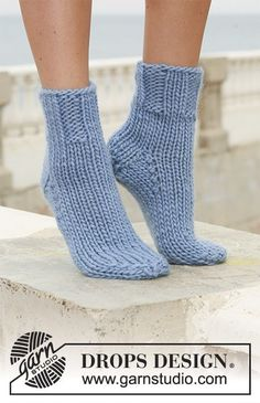 Socks & Slippers - Free knitting patterns and crochet patterns by DROPS Design Knitted Slippers, Wool Socks, Crochet Slippers, Knit Or Crochet, Knitting Socks, Drops Design, Knitting Patterns Free, Free Knitting, Free Pattern