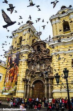 Perú - Lima Iglesia de San Francisco dentro de ella hay catacumbas - Jhabich