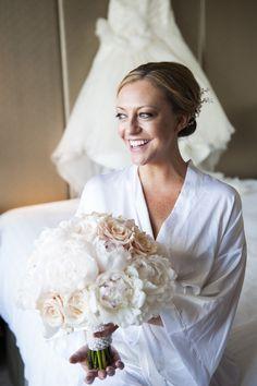 gorgeous white & cream bouquet.