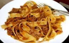 For lovers of tasty and country-style kitchen: #TAGLIATELLE in DUCK SAUCE. It is a delicious traditional recipe from #MarcheRegion. The dish has to be matched with #RossoConero red wine. This is the recipe: www.gustitipicima... #marcheintavola #pornfood