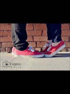 Cute couple picture Vans Fulgencio photography