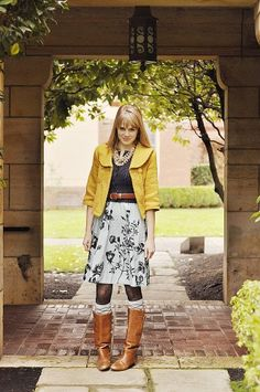 1. Tessa always puts the cutest outfits together!  Great look for Back 2 School #momselect and #backtoschool