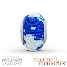 From Charmed Memories®, this sterling silver charm is decorated with shimmery blue and white Murano glass, making it the perfect accent to your Star Wars™-themed bracelet. © & ™ Lucasfilm Ltd.