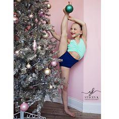 5 days before Christmas. Dance Photo Shoot, Dance Pics, Dance Pictures, Christmas Dance, Christmas 2019, Dance Moms Minis, Jojo Juice, Dance Moms Season 8, Lilliana Ketchman