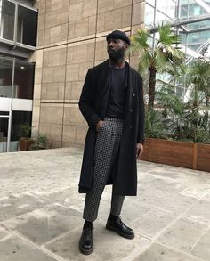 spring mens fashion that look cool 077373 Stylish Mens Fashion, Best Mens Fashion, Mens Fashion Suits, Style Fashion, Fashion Black, Fashion Trends, Streetwear Mode, Streetwear Fashion, Black Outfit Men