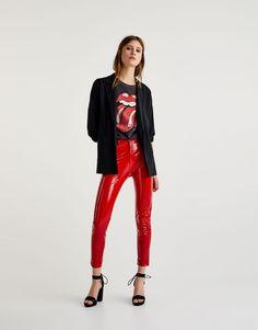 Pantalón vinilo tiro alto - Pantalones - Ropa - Mujer - PULL&BEAR España