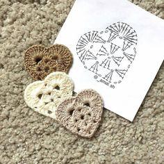 """2,219 Likes, 38 Comments - rose oliveira (@roseoliveira_tartes) on Instagram: """"Corações com gráfico para vocês  Créditos: @_amal.sh  #graficos #crochet #coracao #heart #patron"""""""