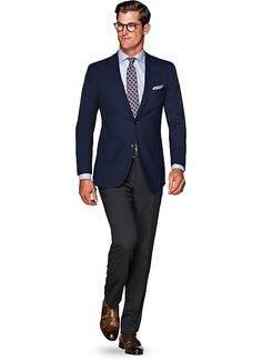 men's formal wear ideas 13 Blue Blazer Outfit Men, Navy Blazer Men, Blazer Outfits Men, Guy Outfits, Mens Fashion Blog, Best Mens Fashion, Mens Fashion Suits, Mens Suits, Men Formal