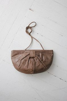 brown leather bag / vintage clutch / leather by allencompany, $84.00