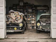 PHOTOS. L'incroyable collection automobile qui dormait sous des hangarsCôte à côte, la Ferrari 250 California de 1961 et la Maserati A6G 2000 Gran Sport Berlinetta Frua de 1956.