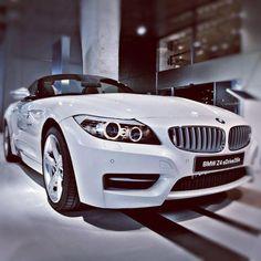 BMW Z4  http://bmw-pau-lescar.eden-auto.com/