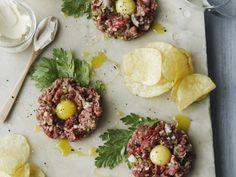 Rinderhackfleisch mit Ei ist ein Rezept mit frischen Zutaten aus der Kategorie Rind. Probieren Sie dieses und weitere Rezepte von EAT SMARTER!