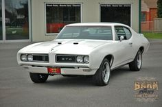 1968 Pontiac GTO 400ci V8 and backed up with a Turbo 400 automatic transmission