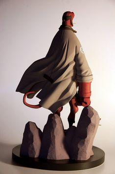 Mike Mignola - hellboy 1/6th figurine