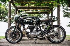 A fine, fine example of a Kawasaki W650 Cafe racer