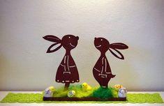 Handgefertigtes Hasenpaar aus Stahl mit Dekorationsschale in Rostoptik. Für Außen und Innenberreich geeignet. Material ist wetterbeständig. Bei Fragen einfach schreiben oder anrufen unter...