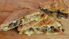 Wonderful Grilled cheese (sandwich au brie, bacon et confit d'oignon)