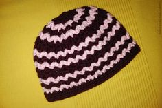 zig zag beanie crochet pattern free maroon and white