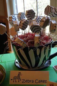 zebra cakes-easy prize for game winner, possibly a game itself and cute for decorations