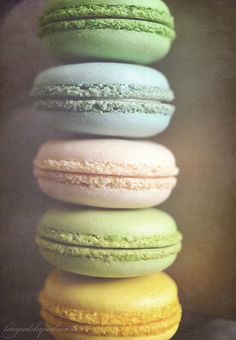 and more macarons...