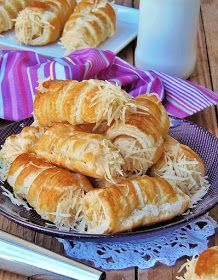 Az otthon ízei: Sajtos roló Food And Drink, Bread, Meals, Recipes, Meal, Brot, Baking, Breads