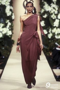 Image from object titled Yves Saint Laurent, Spring-Summer Couture What Is Fashion, Modern Fashion, Vintage Fashion, Fashion Looks, 1999 Fashion, Women's Fashion, Christian Dior, Yves Saint Laurent Paris, Retro Chic