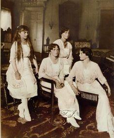OTMA in 1916. From left to right Grand Duchess Anastasia Nikolaievna, Grand Duchess Olga Nikolaievna, Grand Duchess Maria Nikolaievna and Grand Duchess Tatiana Nikolaievna.