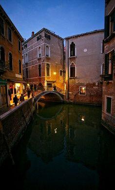 Luci di Venezia ♦ San Croce, Venice, Italy | Flickr - Photo by _ Nemo _