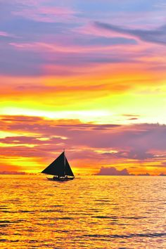 Beautiful sunset at Boracay, Philippines  It's been so long since I was there..........
