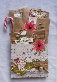 Une pochette surprise de Noël Christmas Envelopes, Christmas Gift Bags, Christmas Gift Wrapping, Christmas Cards, Xmas, Pocket Envelopes, Card Envelopes, Pochette Surprise, Envelope Tutorial