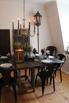 antique and vintage - dinning room - black - shabby