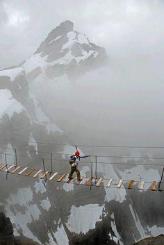 """""""Par le petit pont, vous avez un raccourci"""" """"Merci, je crois que je ferai le grand tour"""".  Sky Walking, Mt. Nimbus, Canada photo via jrachell"""