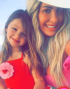 Reality TV Star Kim Zolciak-Biermann Accused Of Letting Her Wear Makeup! Kim Zolciak, Lip Injections, Reality Tv Stars, Latest Celebrity News, 5 Year Olds, 5 Years, Long Hair Styles, Let It Be, Lifestyle