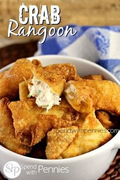 Crab Rangoon (Crab & Cream Cheese Wantons) – Spend With Pennies This Crab Rangoon recipe contains a simple mixture of crab, cream cheese and seasonings wrapped in a wonton wrapper and fried crispy (or baked in the oven)! Wonton Recipes, Egg Roll Recipes, Crab Recipes, My Recipes, Cooking Recipes, Favorite Recipes, Oven Recipes, Wanton Wrapper Recipes, Dishes Recipes