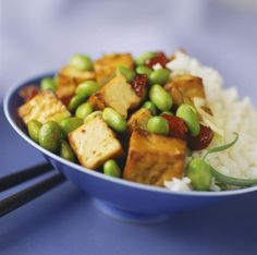A simple kosher, vegetarian recipe for Sweet Ginger Tofu, made with tamari, toasted sesame oil, and pure maple syrup.