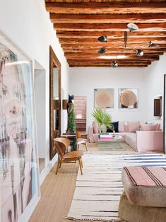 A TOUCH OF GLAMOUR IN A TRADITIONAL FINCA ON IBIZA   THE STYLE FILES
