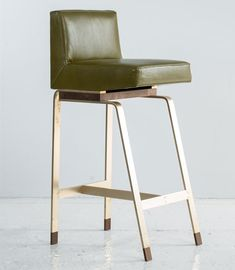 Gavilan Barstool with Back Product Image Number 1