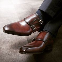Leather Men's Classic Double Monk Strap Dress Shoes Der Gentleman, Gentleman Shoes, Men Dress, Dress Shoes, Dress Clothes, Style Masculin, Basket Mode, Simple Shoes, Well Dressed Men