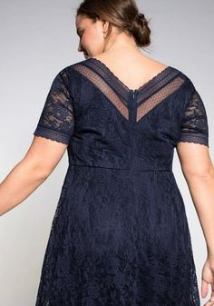 Abendkleid aus floraler Spitze – blau Short Sleeve Dresses, Dresses With Sleeves, Sheego, Cold Shoulder Dress, Fashion, Lace, Gown Dress, Gowns, Blue
