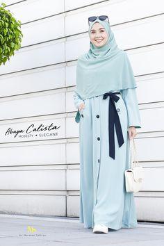 . Abaya Fashion, Muslim Fashion, Modest Fashion, Fashion Dresses, Hijab Gown, Batik Dress, All About Fashion, Anime Muslim, Abaya Style