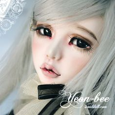 Look at those lips. That nose. I love SoulDoll. I need one.