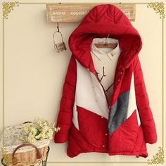 Buy Fairyland Colour Block Hooded Padded Coat at YesStyle.com! Quality products at remarkable prices. FREE WORLDWIDE SHIPPING on orders over US$35.