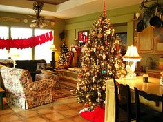 Christmas ... The Beehive Cottage