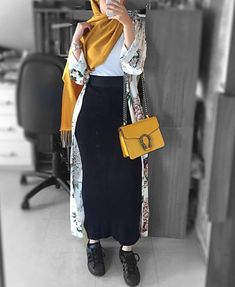Fashion summer hijab outfit 67 trendy Ideas scarf is central to the eleme Hijab Fashion Summer, Modern Hijab Fashion, Hijab Fashion Inspiration, Muslim Fashion, Modest Fashion, Fashion Trends, Hijab Styles, Mode Outfits, Fashion Outfits