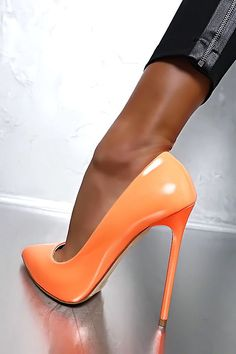 Made in Italy Classic Luxury Pigalle Heels Pumps Shoes Leather Orange 35 Orange High Heels, Hot High Heels, High Heel Boots, High Heel Pumps, Pump Shoes, Sexy Heels, Stilettos, Stiletto Heels, Talons Oranges