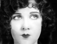 vintage everyday: Vintage Women's Hairstyles - Fabulous Pictures of Women's Hair & Make-Up from the 1920s