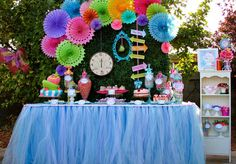 COMBINAÇÃO DAS CORES: PINK, AMARELO, AZUL, VERDE   ELEMENTOS RELÓGIO, MOLDURAS, XÍCARAS  TEXTURA DE GRAMA  Alice in Wonderland, Mad Tea Party Birthday Party Ideas   Photo 3 of 36   Catch My Party