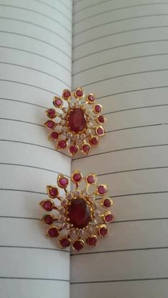 Jewelry Design Earrings, Gold Earrings Designs, Gold Jewellery Design, Gold Pendent, Gold Jewelry Simple, Ear Rings, Jewelery, Diamond, Jewels